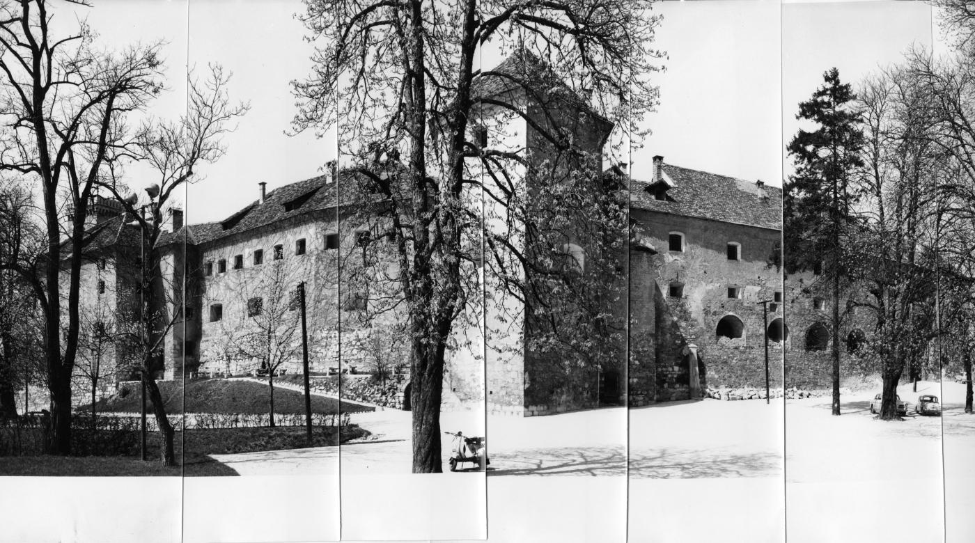 Ljubljana Castle, before renovation, 20. century. ZVKDS, OE Ljubljana